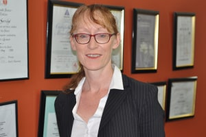 Dr. Tracey Byrne